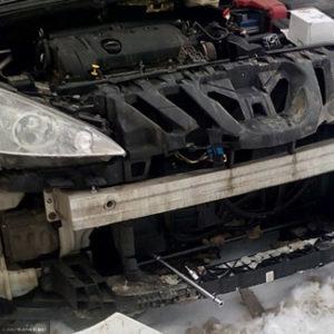 Пежо 308 снятый передний бампер