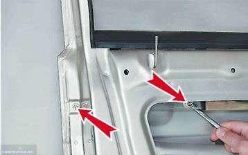 Снимаем тяги с двери ВАЗ-2114