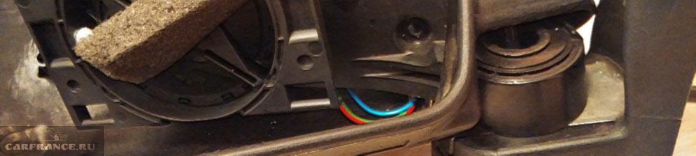 Разборка бокового зеркала на Шевроле Нива