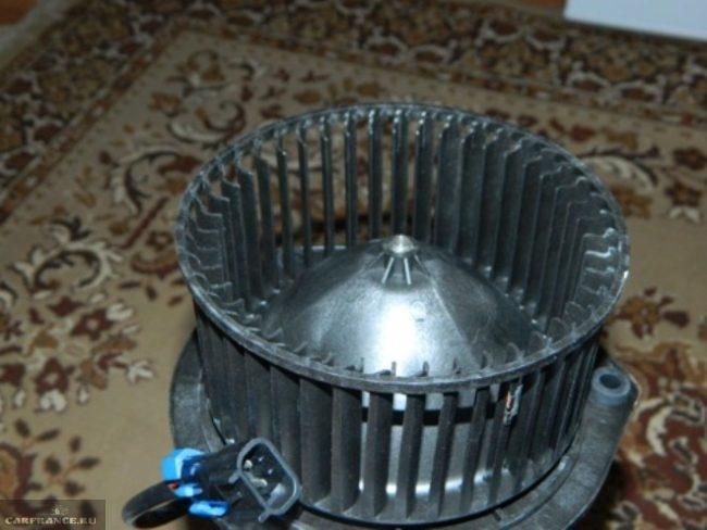 Новый вентилятор печки Нива Шевроле luzar lfh-01211