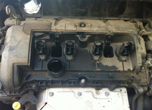 Демонтаж защитной крышки и катушек Пежо 308