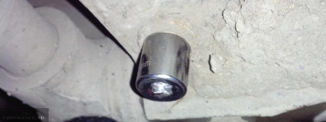 Демонтаж защиты двигателя на Нива Шевроле
