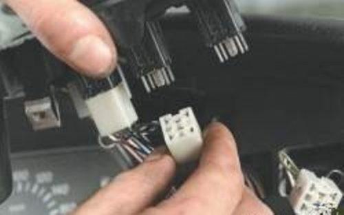 Колодки проводов приборной панели Нива Шевроле