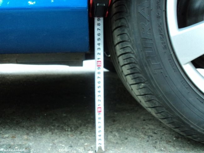 Клиренс у переднего порога на Пежо 308 замер рулеткой