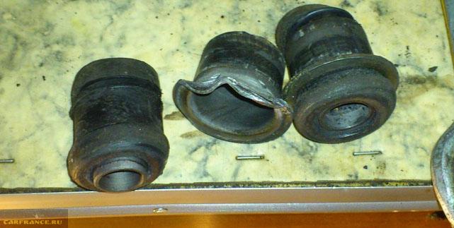 Разбитые сайлентблоки старой конструкции на Нива Шевроле