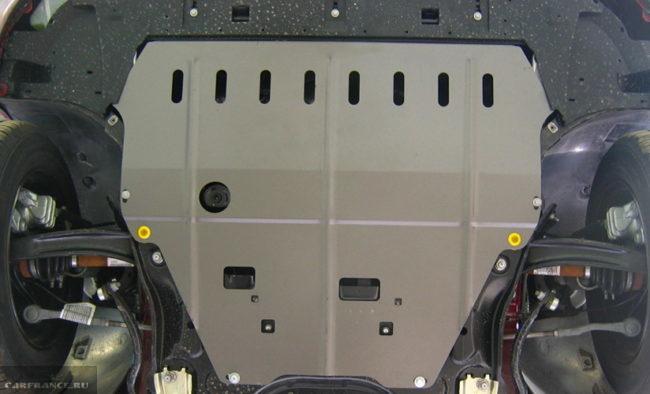 Защита картера Peugeot 308, вид из под автомобиля