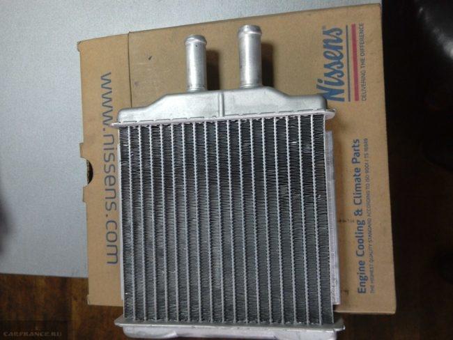 Новый с упаковкой алюминиевый радиатор отопителя Шевроле Лачетти Nissens 76509