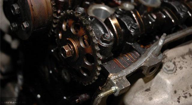 Двигатель Шевроле Авео цепь демонтирована
