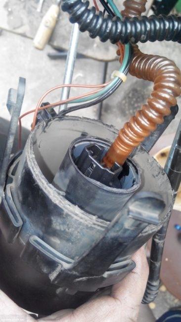 Топливный модуль и отсутствие фильтра на Шевроле Авео