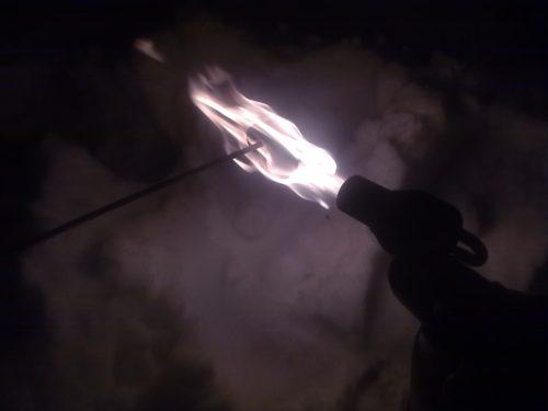 Нагревание стопрного кольца полуоси Нива Шевроле паяльной лампой