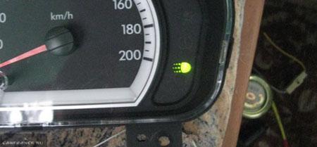 Индикатор включения ближнего света фар на Шевроле Авео