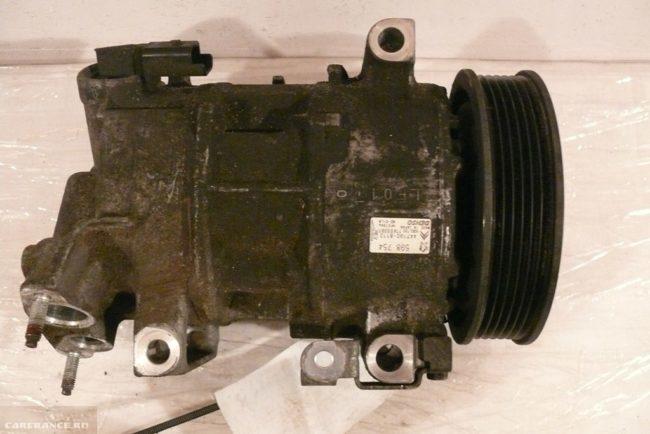 Демонтированный агрегат кондиционера Пежо 308