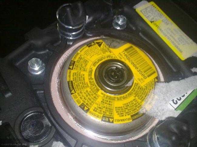 Руль крышка демонтирована на Шевроле Аео