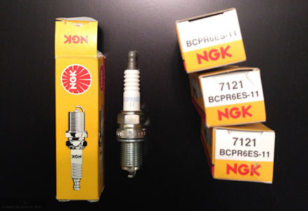 Свечи зажигания NGK BCPR6ES на Лада Веста