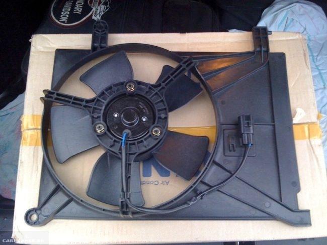 Вентилятор охлаждения дополнительный для кондиционера на Шевроле Ланос