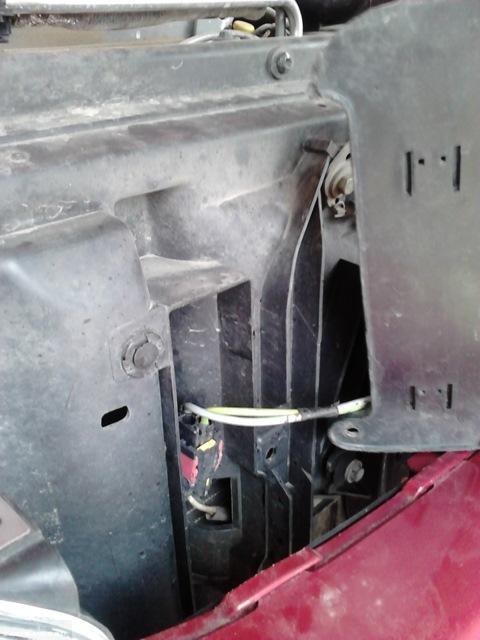 Реле включения скоростей вентилятора охлаждения на Пежо 206