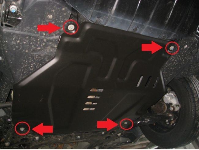 Демонтаж передней защиты Шевроле кобальт, вид из под автомобиля болты крепления