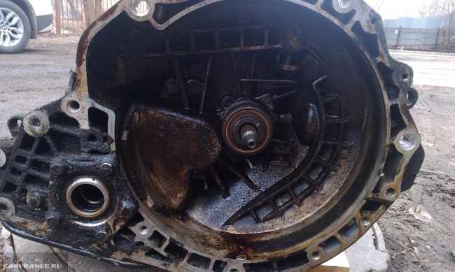 Демонтированная КПП с Шевроле Лачетти