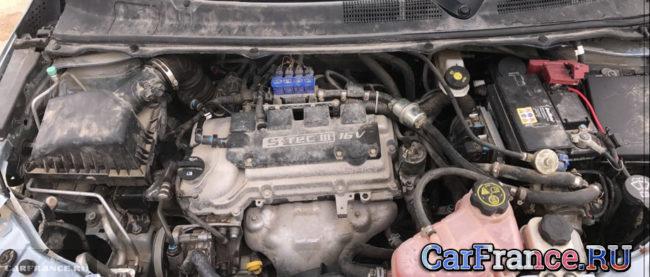 Двигатель Шевроле Кобальт под капотом