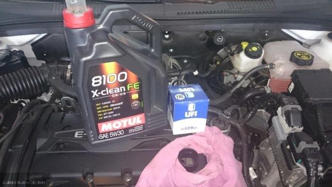 Синтетическое масло 5w/30 8100 и двигатель на Шевроле Круз