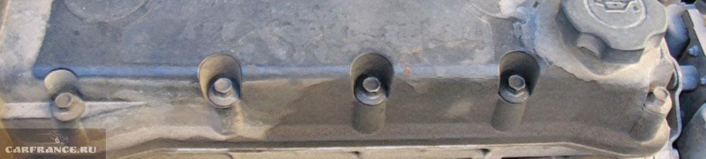 Подтёки масло с клапанной крышки Шевроле Лачетти