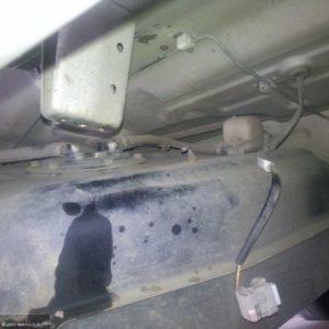 Демонтаж питающего провода бензобака на Шевроле Круз