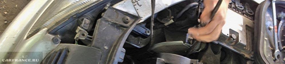 В процессе снятия генератора на Пежо 206