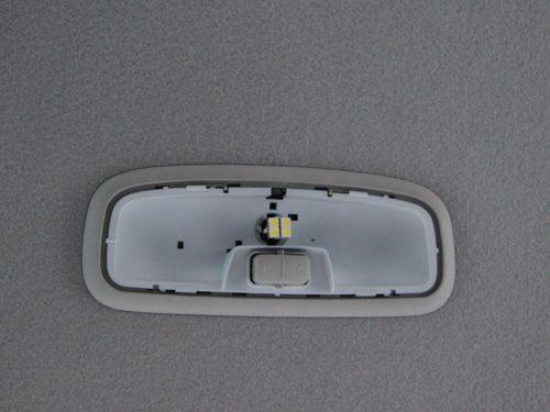 Демонтаж плафона освещения Форд Фокус 2