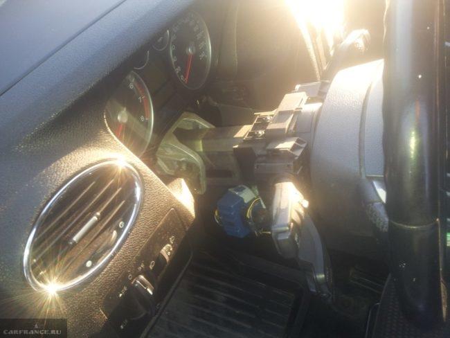 Демонтаж облицовки руля Форд Фокус 2