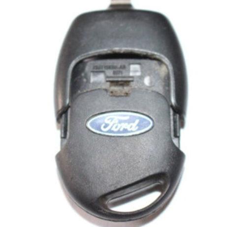 Демонтаж платы и батарейки чип ключа Форд Фокус 2