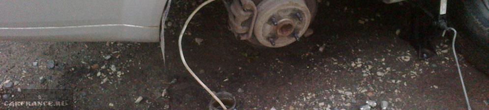 Слив тормозной жидкости с заднего тормозного суппорта на Шевроле Лачетти