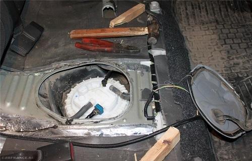 Собраный и установленный топливный фильтр Тойота Королла 150