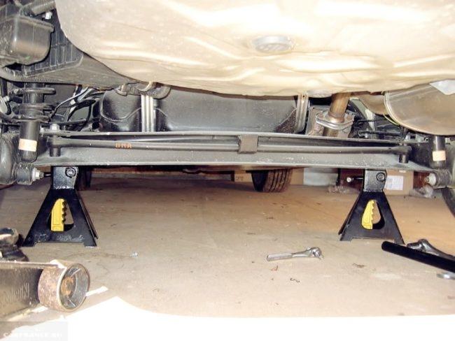 Задняя подвеска Тойота Королла