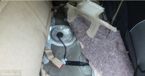 Демонтаж заднего дивана Тойота Королла Е120