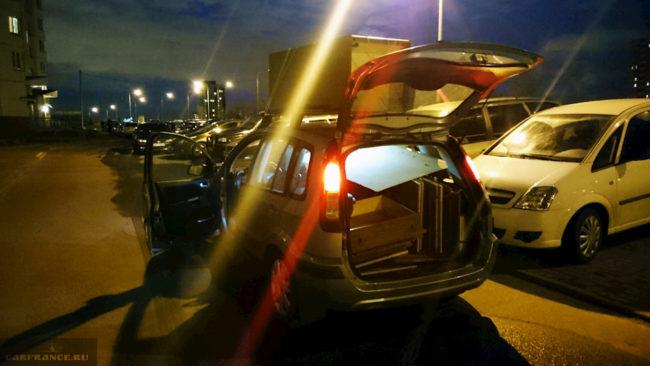 Перевозка мебели на Форд Фьюжн в багажнике