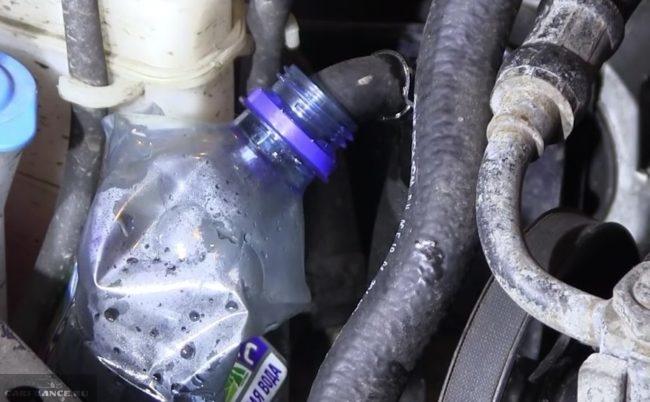 Установка емкости для сбора отработки масла ГУР Форд Фокус 2