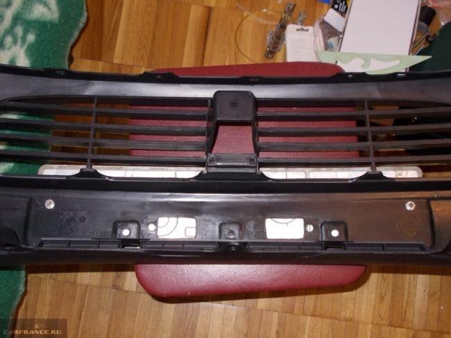 Оригинальный не крашенный бампер артикул 52119-1F370 .Тойота Королла E150