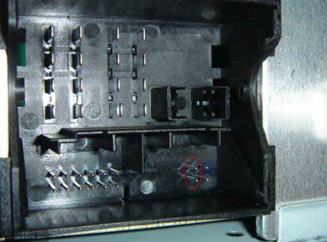 Места подключения к магнитоле на Форд Фокус 2