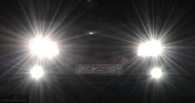 Дальний свет фар и противотуманные огни на Форд Фокус 2