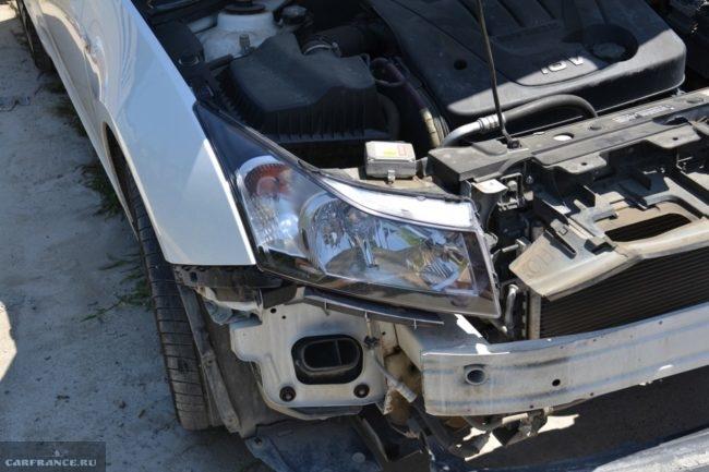 Снятие бампера на автомобиле Шевроле Круз