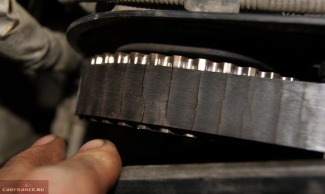 Изношенный ремень ГРМ на Форд Фокус 2