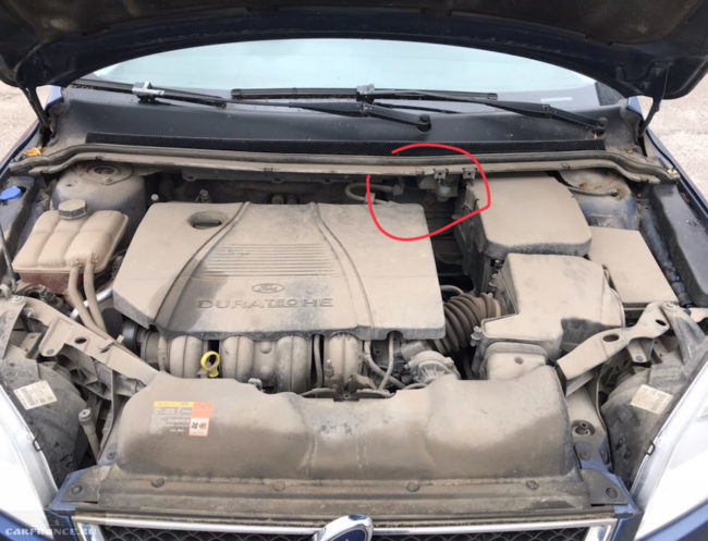 Моторный отсек Форд Фокус 2