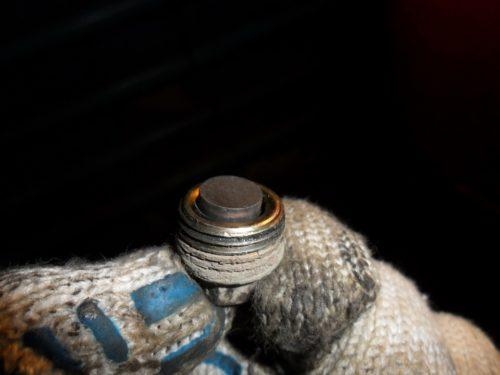 Пробка с магнитом от коробки передач ДэуНексия