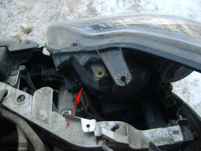 Коннектор фары Форд Фокус 2