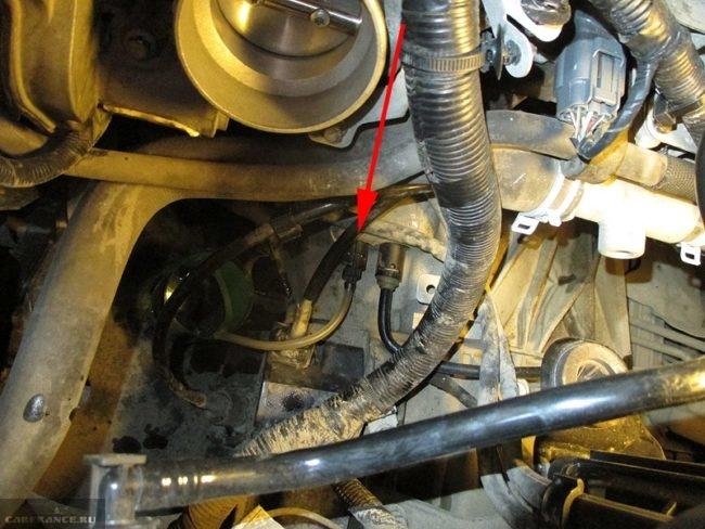 Слив тормозной жидкости с контура сцепления Форд Фокус 2