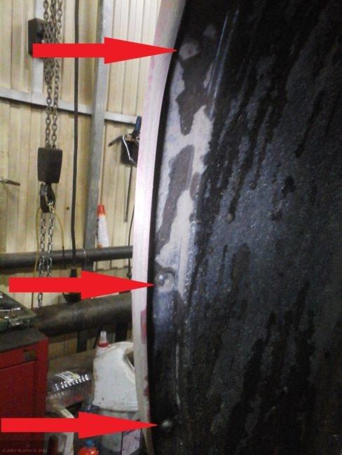 Демонтаж саморезов передних подкрылков на Шевроле Круз