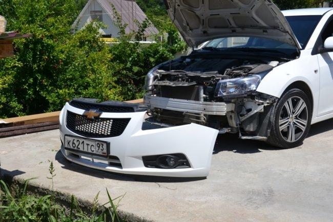 Снятый бампер с автомобиля Шевроле Круз