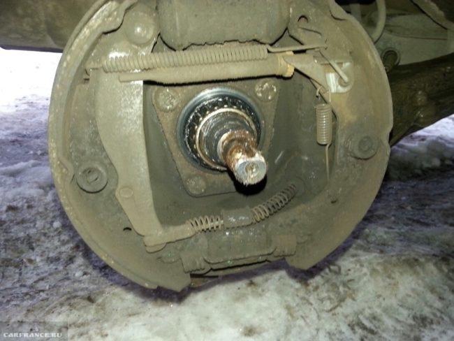 Тормозной механизм заднего колеса у Дэу Нексия