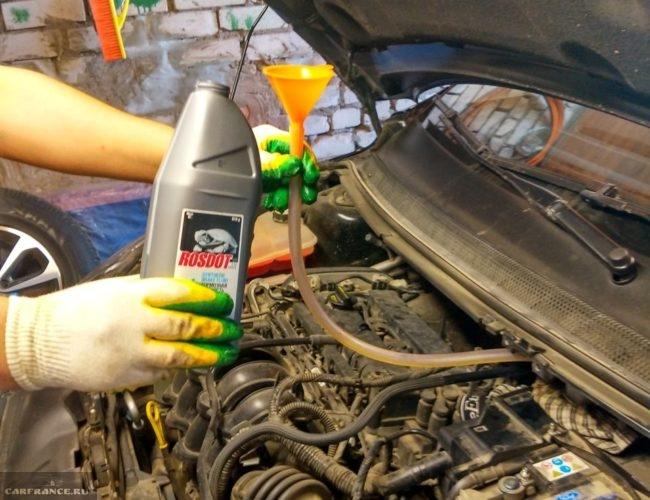 Заливка жидкость в тормозную систему Форд Фокус 2