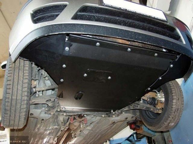 Защитный щиток двигателя на авто Форд Фокус 2